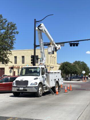 TxDOT Bucket Truck installing traffic signals